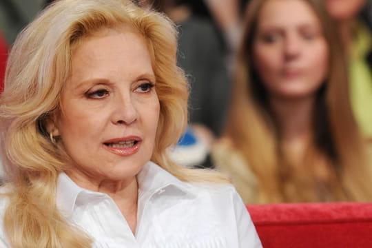 Sylvie Vartan: ses chansons mythiques, sa vie avec Johnny... Biographie