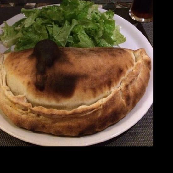 Plat : Pizzéria de la Tour  - Belle calzone -