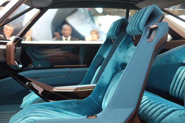 L'intérieur du Peugeot e-Legend Concept rien que pour vous