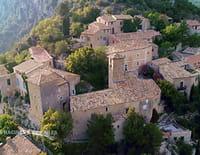 Des racines et des ailes : Passion patrimoine : Mon village en Provence