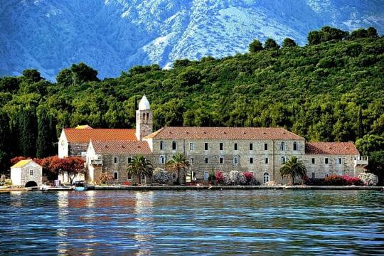 Le monastère de l'île Badija en Croatie