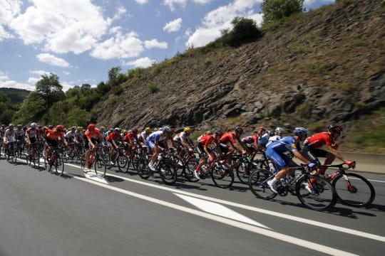 Tour de France: un profil tortueux, la 9e étape en direct