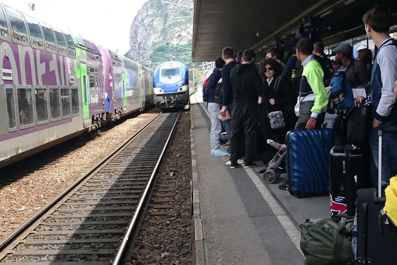 """Grève SNCF RATP: des """"mardis d'urgence sociale"""" menés par la CGT?"""