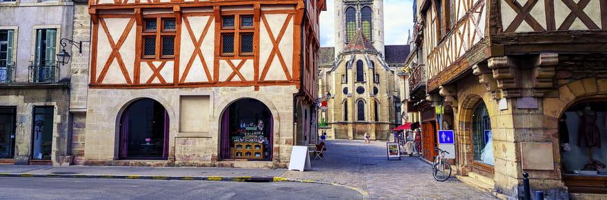 Balade de charme dans la France des maisons à colombages