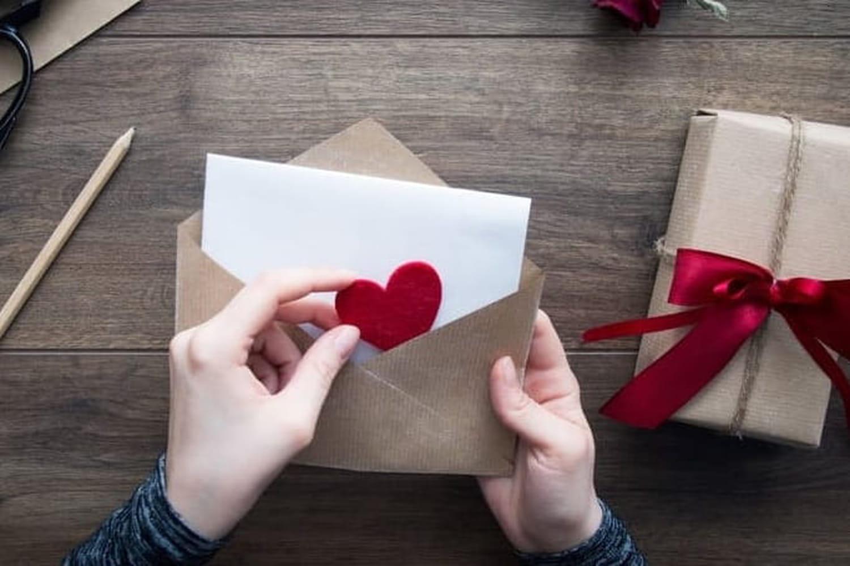 Lettre d'amour: modèles de courrier romantique pour lui, pour elle