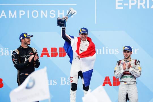Formule E Paris: Frijns sort du déluge, le classement et résumé [video]