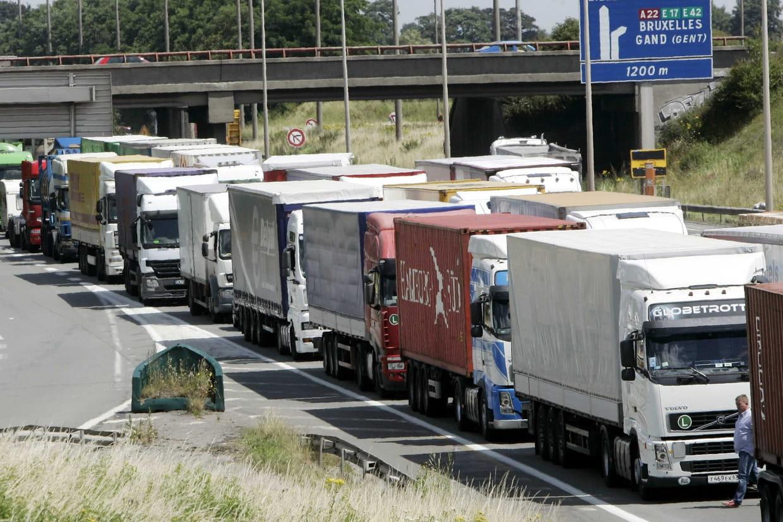 Les routiers poursuivent leurs blocages — Code du travail