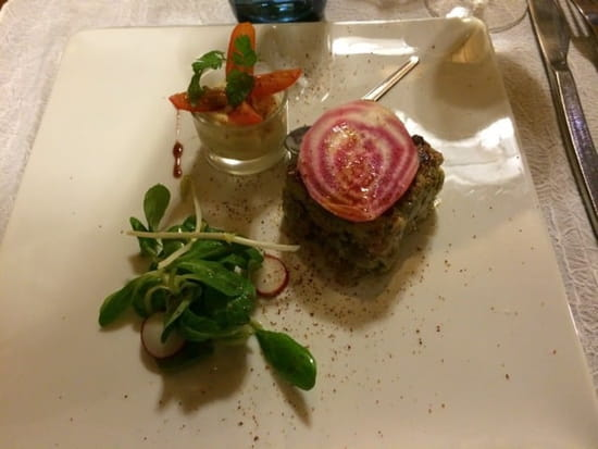 Entrée : Le Cabanon des Pêcheurs  - Tartare de thon mi cuit -