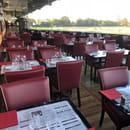 Restaurant : La Table de L'Hippodrome  - SALLE PANORAMIQUE CHAMPS DE COURSES -   © OUI