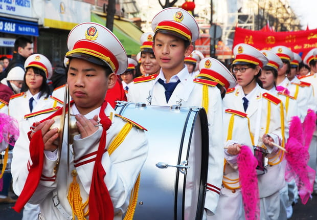 Tambours, drapeaux et oriflammes