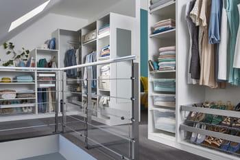 le concept darwin en blanc chez castorama. Black Bedroom Furniture Sets. Home Design Ideas