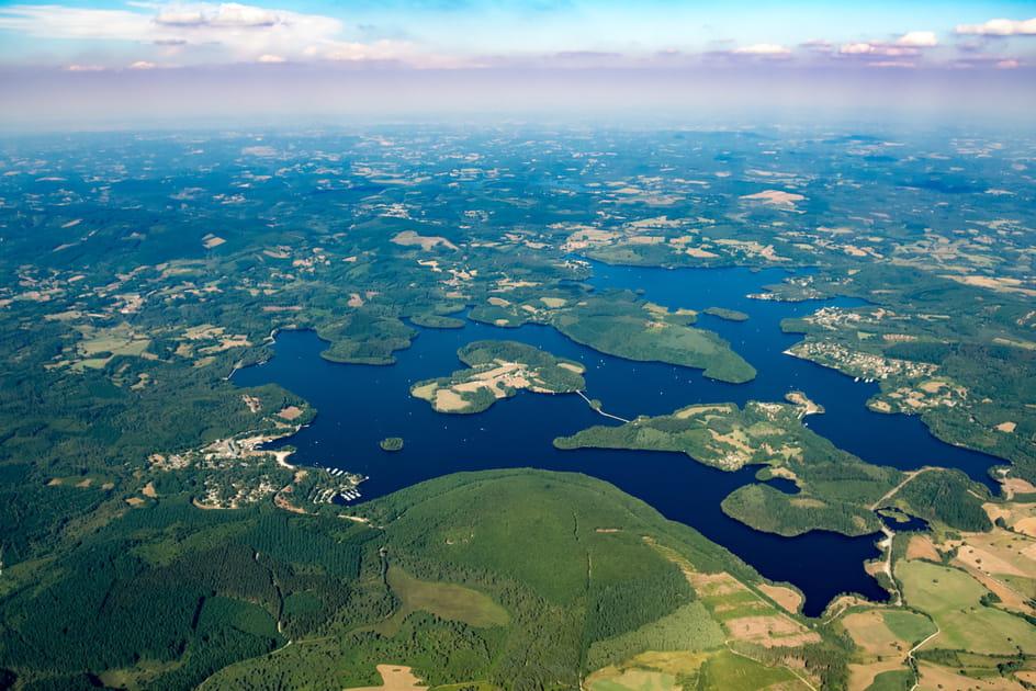 Le lac de Vassivière, plus vaste plan d'eau du Limousin