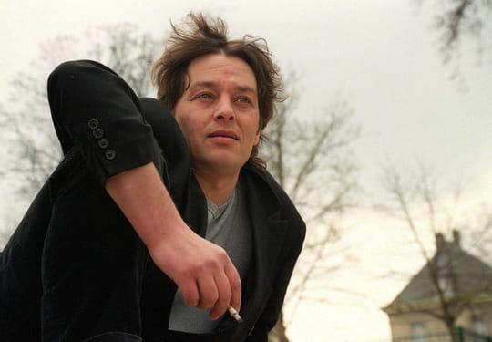 Ari Boulogne: le fils supposé d'Alain Delon s'est drogué avec sa mère