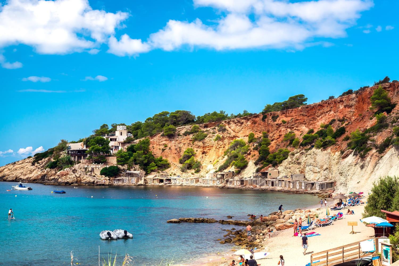 Vacances de la Toussaint 2021: les dates par zone, où partir en Europe à l'automne?