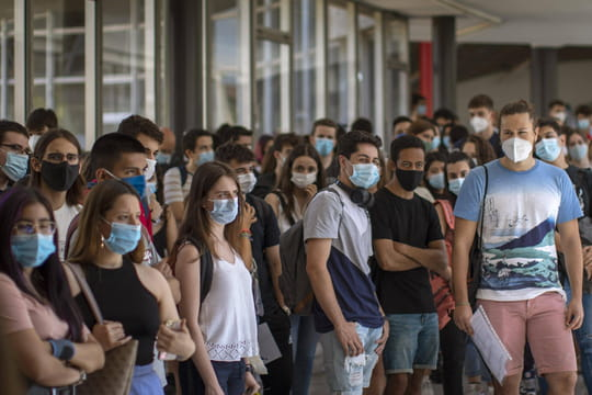 DIRECT. Coronavirus: le dernier bilan, les étrangers d'origine surexposés?