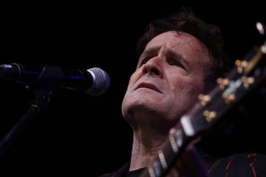 """Johnny Clegg: le chanteur parle de son cancer et de la mort qui """"approche"""""""