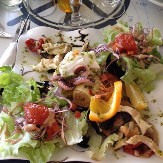 Entrée : Le Junquidou  - Salade de la mer -