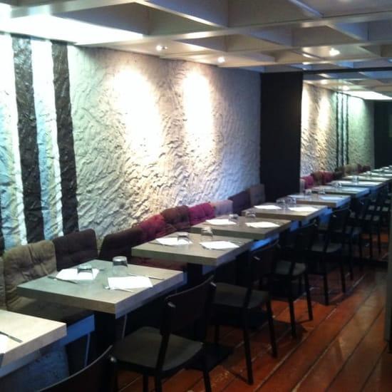Restaurant : La Ferme Saint Charles  - Salle du bas -