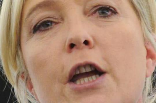 """Marine Le Pen: la """"priorité nationale"""", c'est quoi au juste?"""