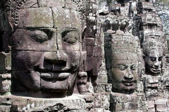 La tour aux quatre visages