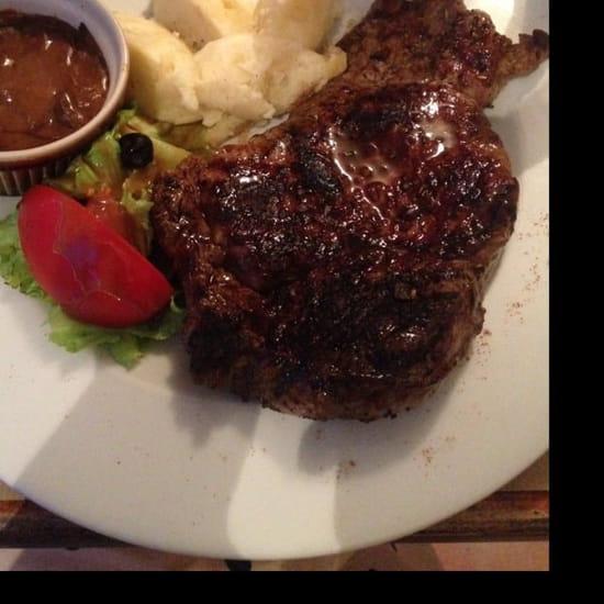 Plat : L'olivier  - Côte de bœuf accompagnée de sa purée maison et sauce aux cèpes  -