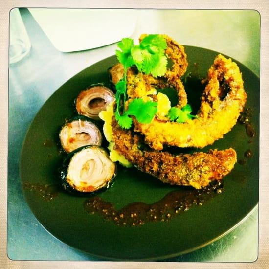 Restaurant Epicetou  - tentacule de poulpe confite, panée a la japonaise, andouille de guemené tiéde, pomme de terre ecrase -