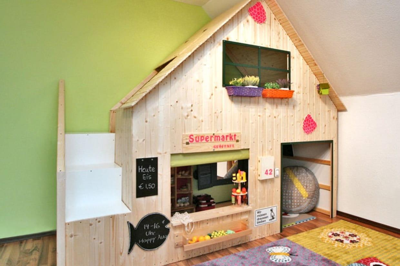 Un lit superpos transform en cabane - Cabane interieur fille ...