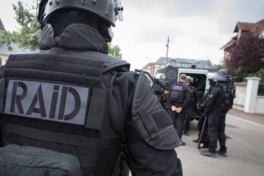 Attentat déjouéà Nice: un policier et des civils visés, ce que l'on sait