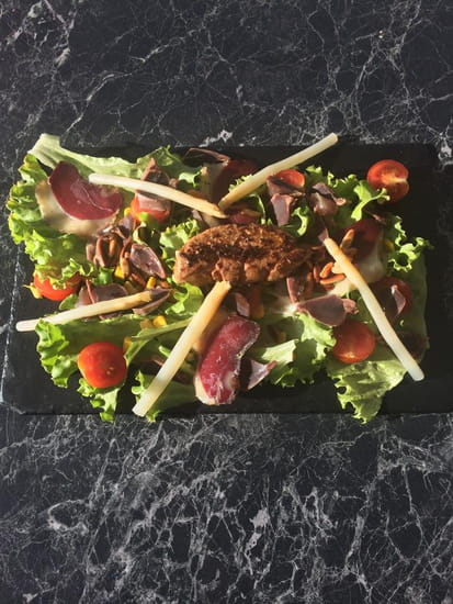 Entrée : Aux Bonheurs Landais  - salade landaise -   © oui