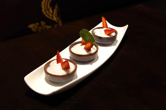 """Dessert : Thai Fine  - """"TACO"""" crème de taro au lait de coco -   © HONG LOR"""