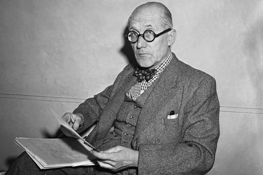 Le Corbusier : biographie de l'architecte, de Marseille à Paris