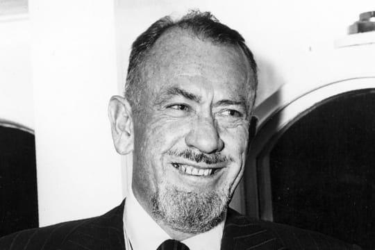 """John Steinbeck: biographie de l'auteur """"Des souris et des hommes"""""""