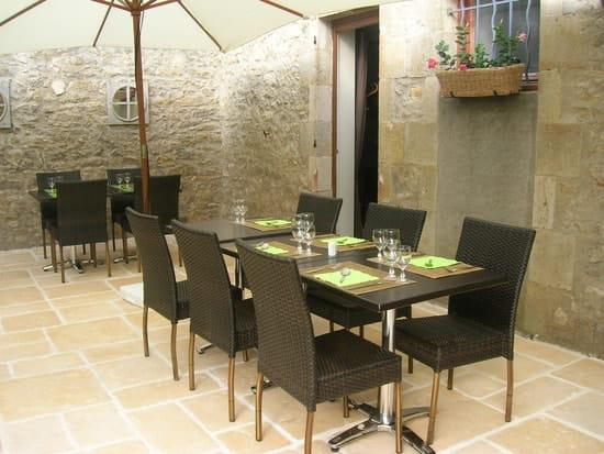 Auberge du Cheval Blanc  - Terrasse2 -   © J Ribiere