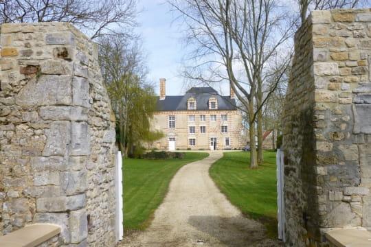 Un joli château dans le Bessin