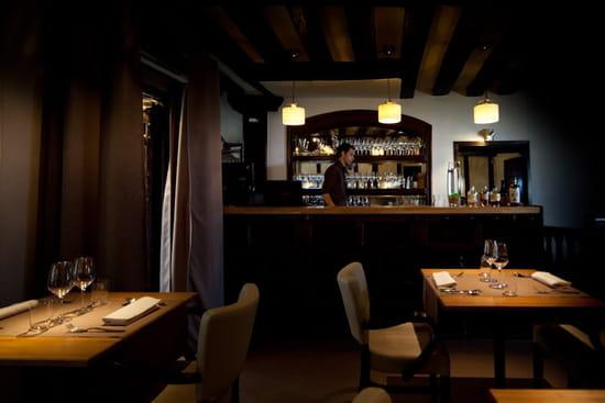 sola par hiroki yoshitake restaurant de cuisine moderne paris avec linternaute. Black Bedroom Furniture Sets. Home Design Ideas