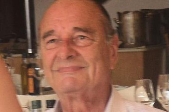L'ancien président Chirac aperçu enfauteuil roulant