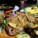 Chez Papa 10eme  - Entrecôte sauce foie gras -   © cp