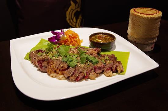 """Plat : Thai Fine  - """"Les larmes du tigre"""" Entrecôte marinée et sauce du chef -   © HONG LOR"""