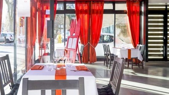 Restaurant le Jour J  - la salle -