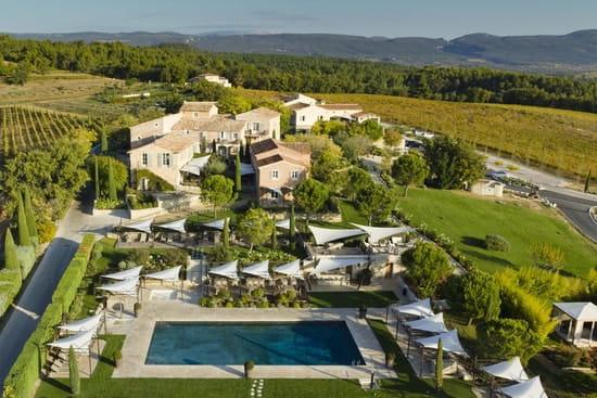 Le Bistrot et son Jardin dans les Vignes  - La Coquillade Le Bistrot Luberon Provence -   © Premier Oeil