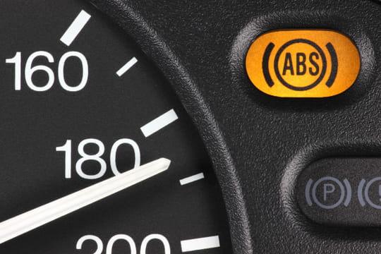 ABS: comment ça marche, à quoi ça sert?