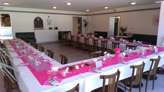 Café Brasserie de la Croix Rouge   © Salle