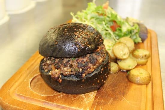 La Chalosse  - black burger -   © chalosse
