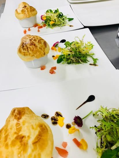Entrée : Restaurant MC  - soufflé de ris de veau -   © 4