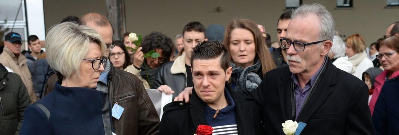 Jonathann Daval, un veuf éploré lors des hommages à Alexia