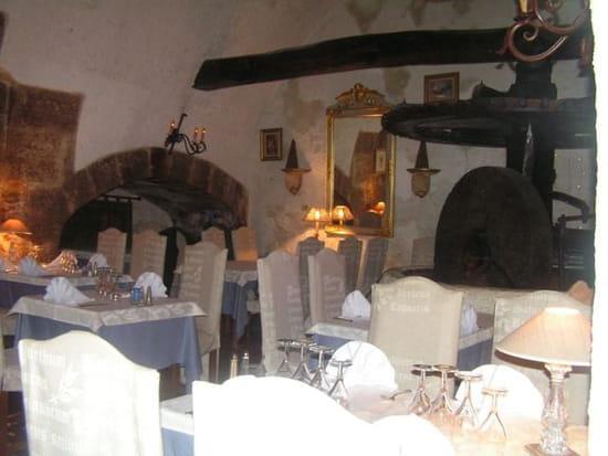 La Table du Moulin  - Le moulin -   © gazelle