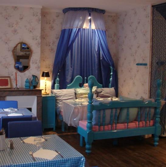 Mamie Bigoude  - au lit avec Mamie Bigoude -   © solisud-concept