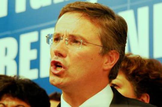 Résultats Nicolas Dupont-Aignan: réélu haut la main à Yerres #mun91330