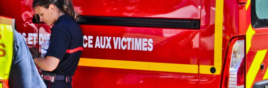 """Explosion à Nantes: un """"acte criminel"""" devant la mairie"""