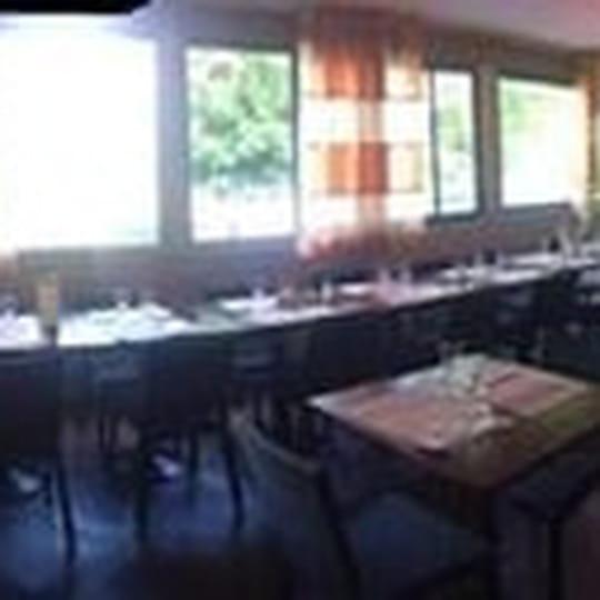 les nymph as restaurant breton saint thibault des vignes avec linternaute. Black Bedroom Furniture Sets. Home Design Ideas